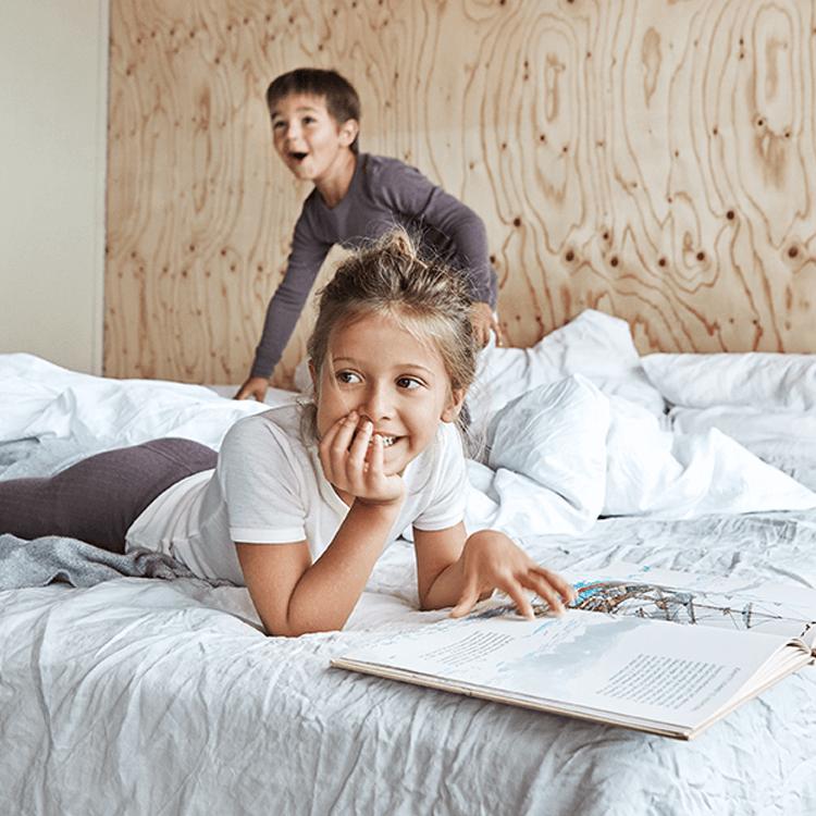 Pourquoi votre enfant devrait-il dormir habillé en laine?