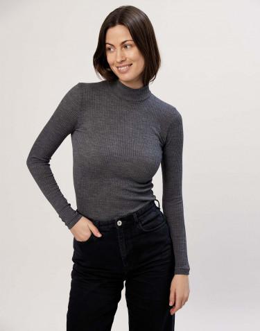 Tricot de peau à col montant, en laine mérinos côtelée, mélange de gris foncés